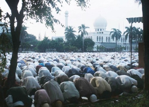 Shalat Idul Adha di Lapangan